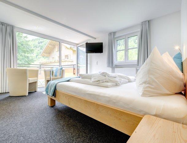 hotel-lun-brand-brandnertal-vorarlberg-slaapkamer.jpg
