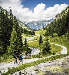 vorarlberg-montafon-wandelen-in-de-bergen.jpg