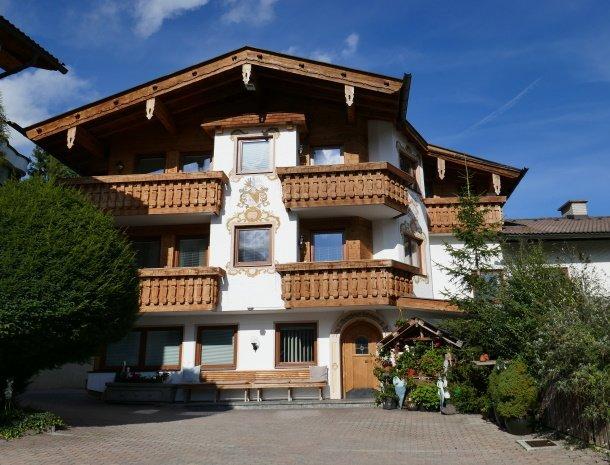 appartementen-krosbacher-fulpmes-centrum-tirol.jpg