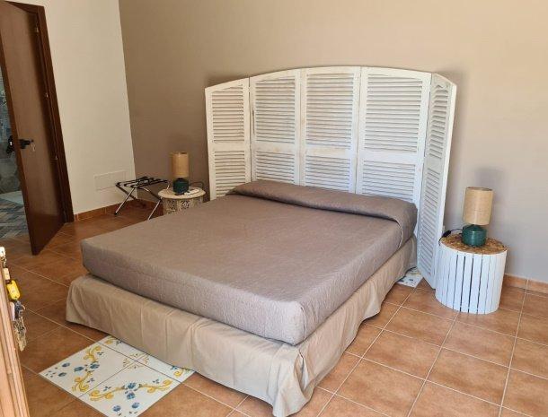 agriturismo-alle-riserve-di-cavagrande-avola-slaapkamer.jpg