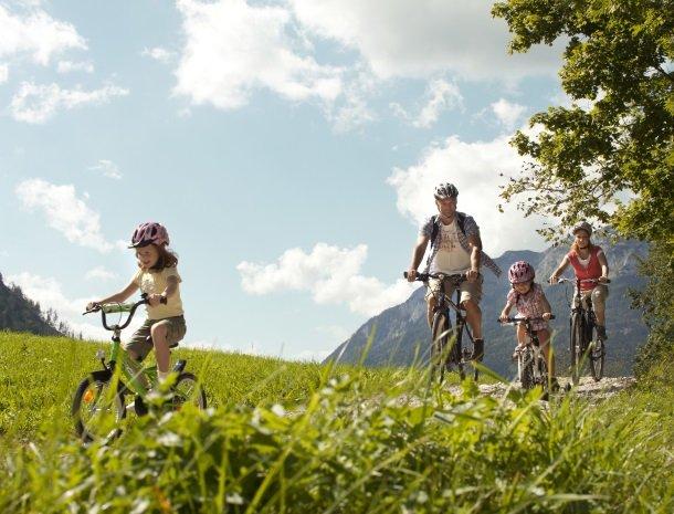 fietsen-familie-oostenrijk