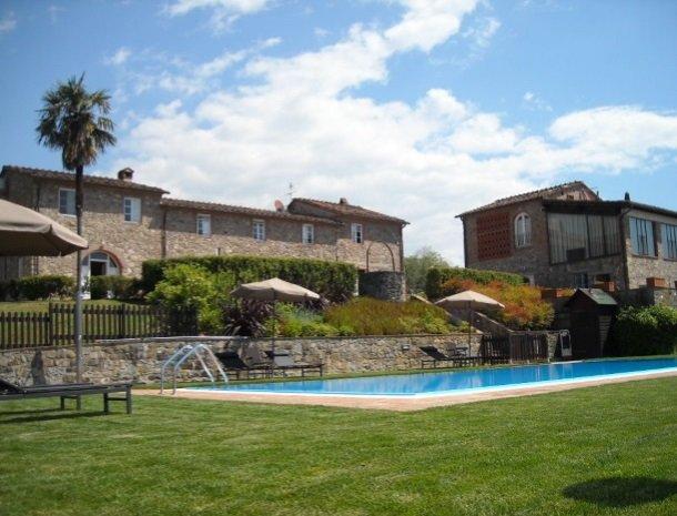 colledibordocheo-lucca-appartement-met-zwembad.jpg