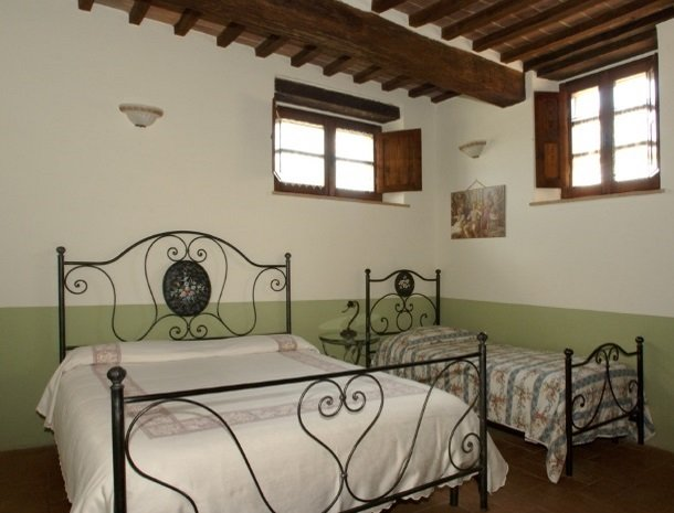agriturismo-il-felcino-umbrie-appartement-biancospino-kamer.jpg