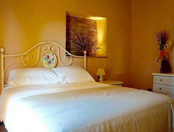 borgo-divino-montespertoli-slaapkamer.jpg