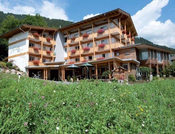 hotel arlberger_tuin.jpg