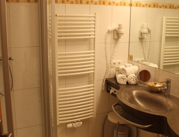 hotel bergzeit-badkamer.jpg