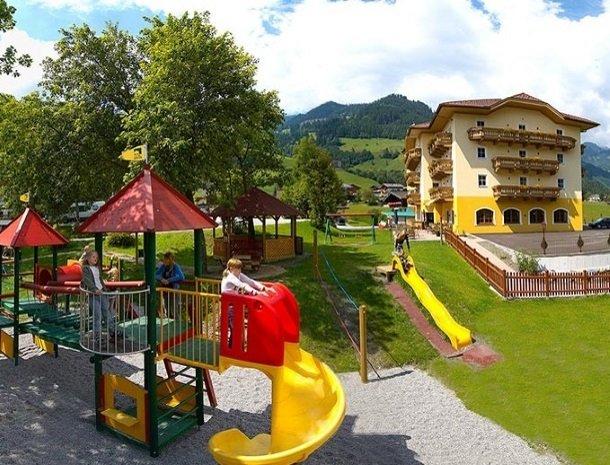 hotel bergzeit-grossarl-speeltuiin.jpg