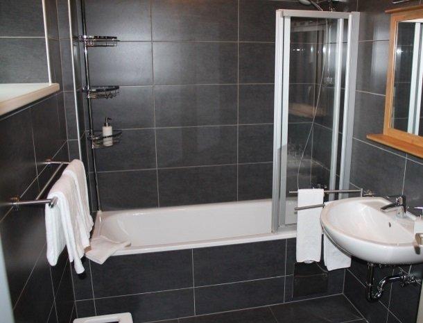 gastehaus karl august-badkamer2.jpg