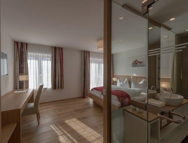 hotel-loy-grobming-kamer en badkamer.jpg