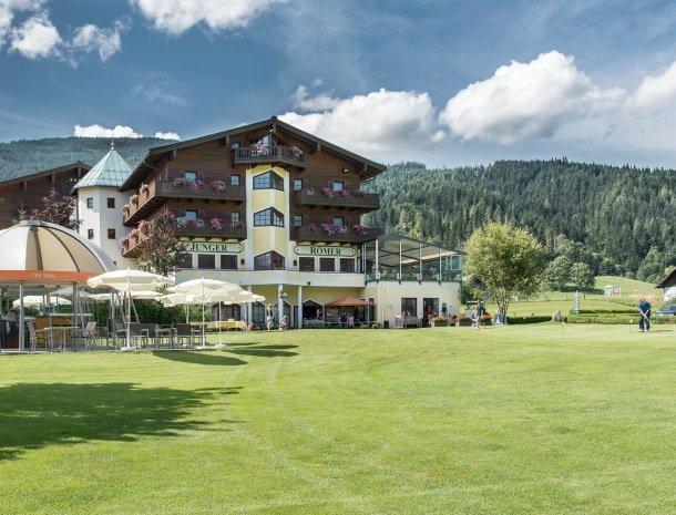 hotel-zum-jungen-romer-radstadt-golf.jpg