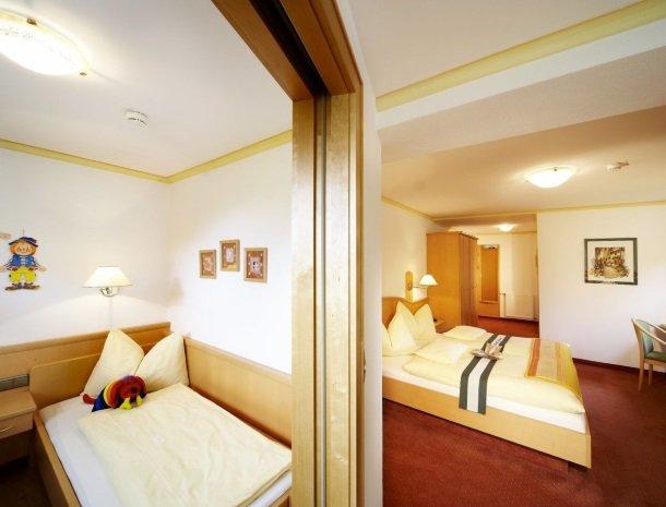 hotel kirchner - slaapkamer3.jpg
