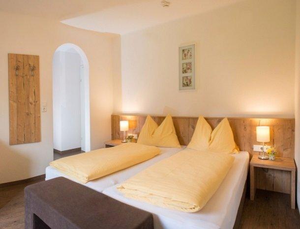 landhaus-hubertus-rohrmoos-kamer alleen bed .jpg