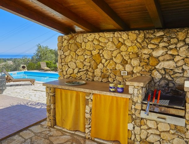 villa olimpia sicilie zwembad.jpg