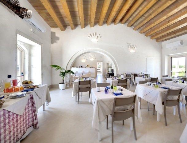 addauro-resort-siracusa-sicilie-restaurant.jpg