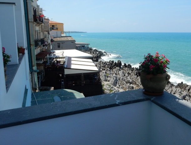 gafludi-bed-and-breakfast-cefalu.jpg